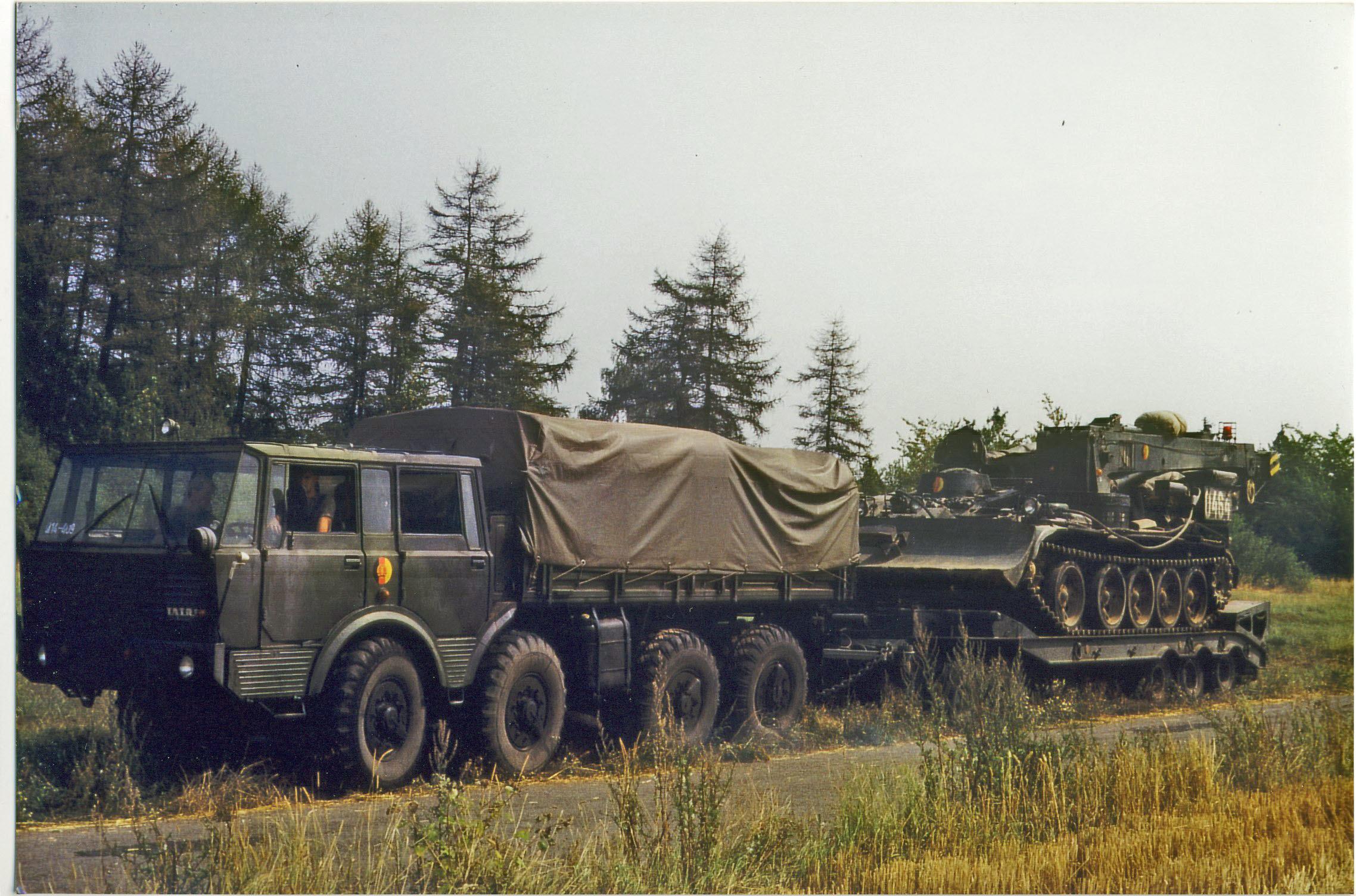 17. Tatra 813 mit Tieflader + T55 TK