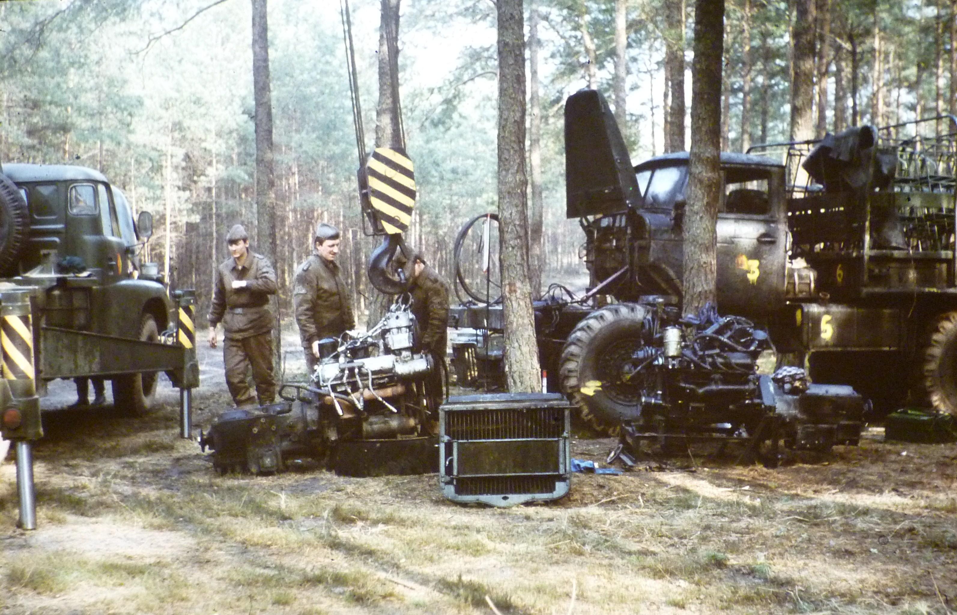 22. mittlere Inst. Kfz. Ural 375 D